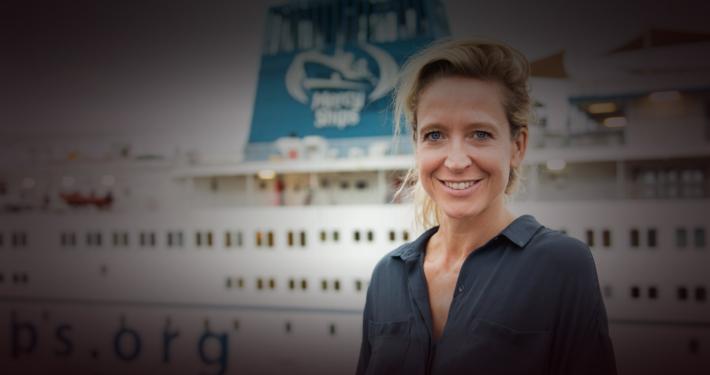 cath-luyten-ambassadeur-mercyships-voor-het-schip
